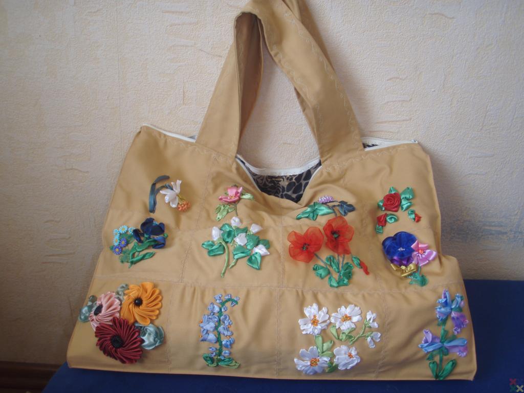 вышитые сумки ленточками - Сумки.