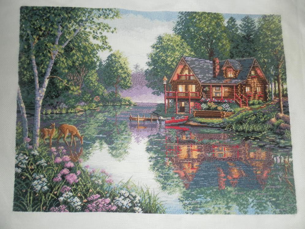 Вышивка домик у озера