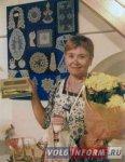 Волжская вышивальщица получила награду от Валентина Юдашкина