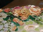 В ДК Добрынина прошел мастер-класс по объемной вышивке лентами