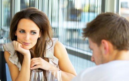 Как познакомиться с девушкой в интернете для развлечений или создания семьи
