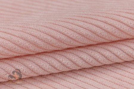 Вельвет: эволюция материала и как носить модные вещи из него